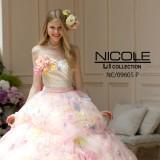 お花がかわいいカラードレス